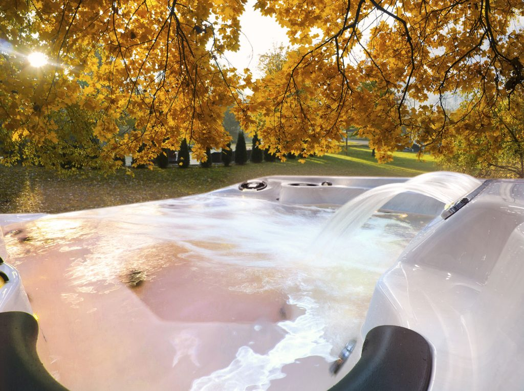 Hot tub in Fall